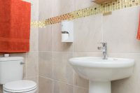 el gran chaparal guesthouse room la chienne bathroom
