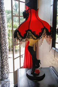 el gran chaparal guesthouse room moulin rouge lamp