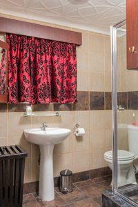 el gran chaparral guesthouse room camalot bathroom