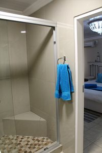 el gran chaparral guesthouse room zorba the greek shower