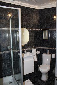 El Gran Chaparral Guesthouse Moulin Rouge Bathroom